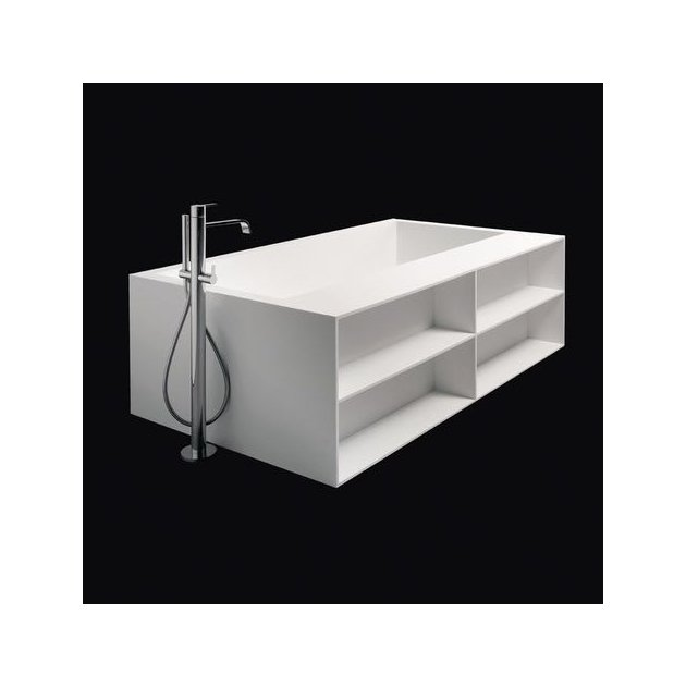 B-Flat - Built-in DuPont™ Corian® Bathtub