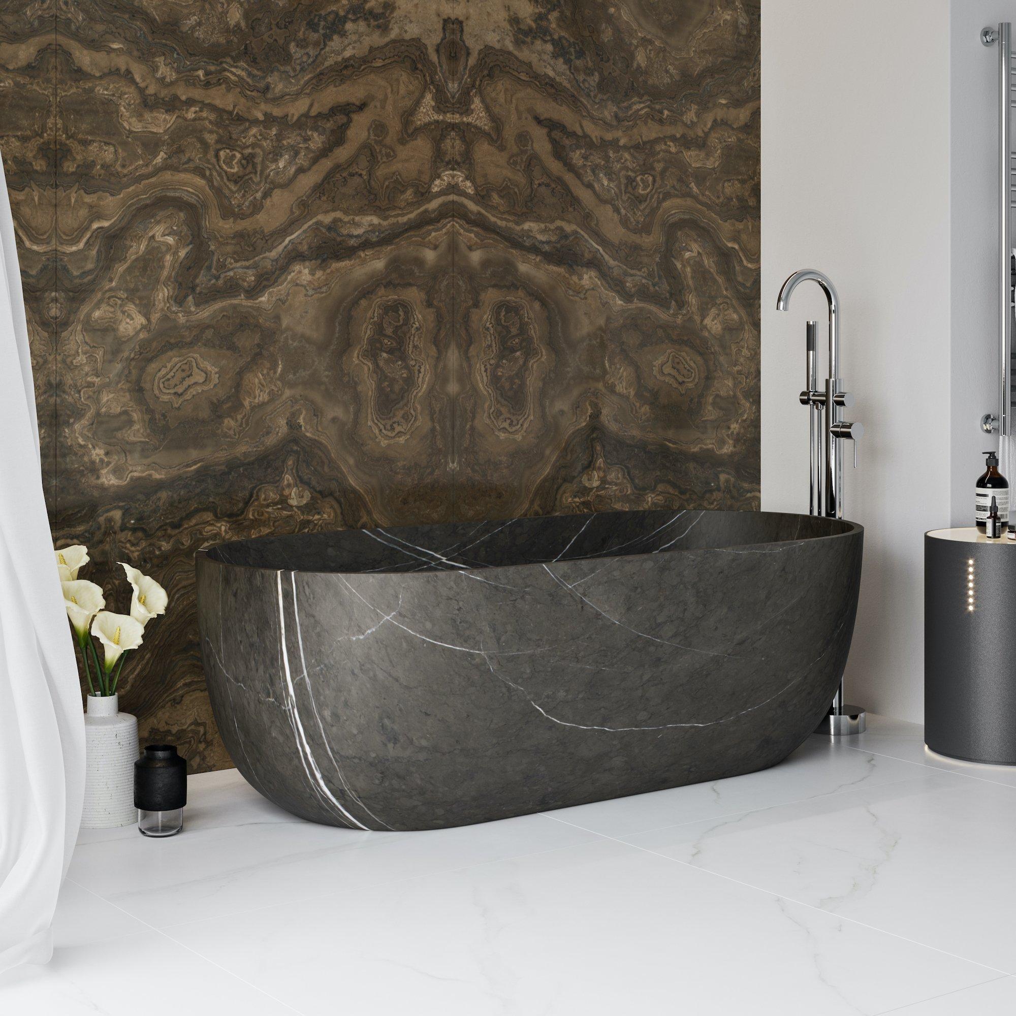A single-piece marble bathtub – the last word in luxury