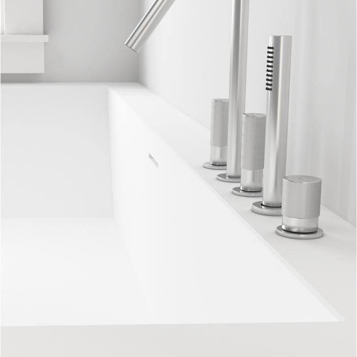 baignoire sur mesure elegant pose suspendue baignoire. Black Bedroom Furniture Sets. Home Design Ideas