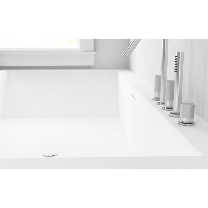 baignoire sur mesure avec 2 tabliers corian by dupont. Black Bedroom Furniture Sets. Home Design Ideas