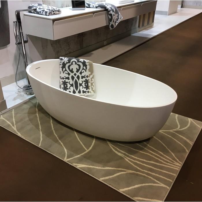 baignoire en corian prix baignoire et douche sur mesure en corian pas cher sur avignon. Black Bedroom Furniture Sets. Home Design Ideas